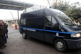 Roma: furgone polizia Penitenziaria travolge scooter, muore ragazza di 27 anni