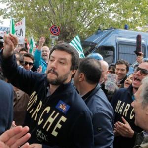 "Matteo Salvini: ""Sì a prostitute, no a marijuana. Sesso non fa male, droga sì"""