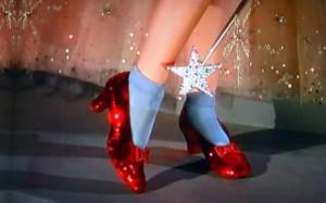 Le scarpe rosse di Dorothy? Fan del Mago di Oz offre un milione a chi le trova