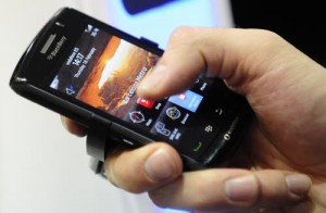 Cellulari, offerte ricaricabili a 28 giorni: Antitrust diffida Tim
