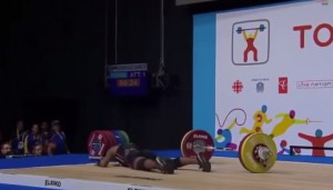 VIDEO YouTube - Genesis Rodriguez Gomez sviene mentre solleva 105 kg