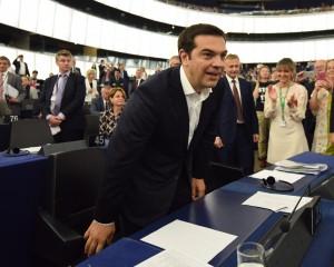 Grecia: piano da 12 miliardi, aumento Iva ma isole escluse. Il crollo del Pil