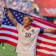 Mondiali calcio femminile: Abby Wambach, attaccante Usa bacia moglie su labbra 5
