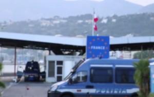 """Ventimiglia, """"We are not going back"""": coro migranti diventa canzone"""