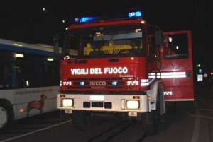 Attigliano, incidente su autostrada A1. Tir con sostanze tossiche ribaltato. Tilt traffico
