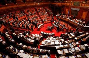 Vitalizi revocati a 10 ex deputati condannati. Non votano Forza Italia e Ncd