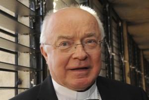 Pedofilia, ex arcivescovo Josef Wesolowski rischia 7 anni di carcere