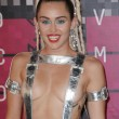 Mtv Awards: Miley Cyrus, nude look esagerato116