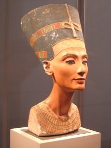 Nefertiti? Suonare Tutankhamon: scoperta porta segreta nella