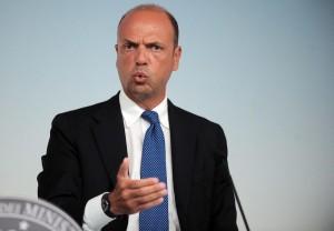 Alfano: voli di Stato per tornare in Sicilia tutti i weekend