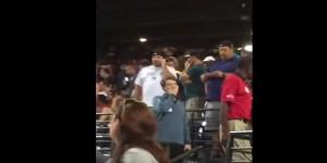 Usa, tifoso baseball cade da spalti e muore