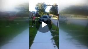 """VIDEO YouTube, papà tenta di investire le """"bulle"""" che terrorizzavano la figlia"""