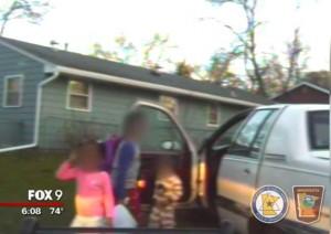Polizia insegue e blocca Suv. Guidava bimbo di 8 anni VIDEO