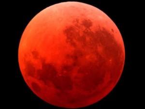 """Luna di sangue il 28 settembre. E parte litania """"apocalisse"""""""