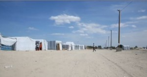 "Calais, ""la  giungla"", la tendopoli dei migranti al confine con la Gran Bretagna"