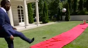 VIDEO YouTube - #BeatTheBin: calciatori e gol nel cestino