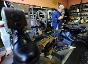 Italia peccato originale: 106 lavorano, 100 no