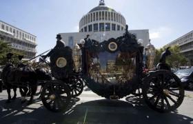Funerali, Casamonica style: ceneri-brillante, bare in moto