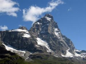 Cervino, trovati resti di 2 alpinisti giapponesi dispersi 45 anni fa