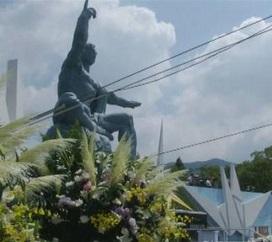 70 anni fa atomica su Nagasaki, Giappone ricorda. Sopravvissuti attaccano premier