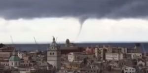 VIDEO YouTube - Genova, trombe marine a Ferragosto
