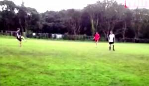 Plymouth, gol incrocio pali diventa virale