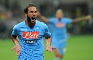 Calciomercato Napoli, Higuain sbatte la porta in faccia e non accetta il rinnovo