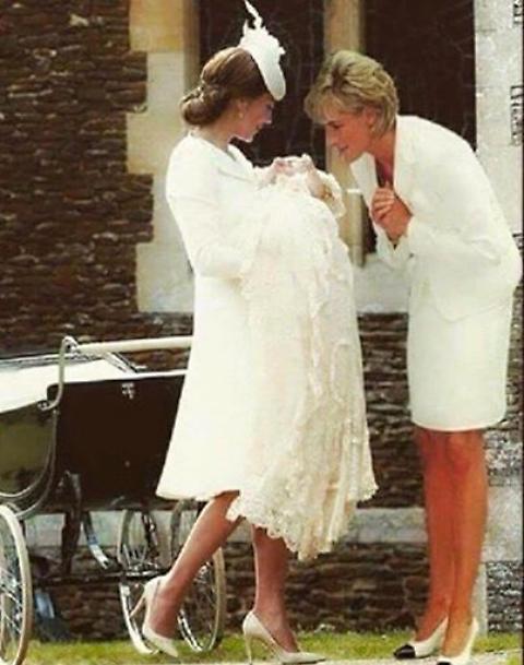 Lady Diana con Kate Middleton e Charlotte: foto commuove web