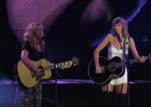 VIDEO YouTube Taylor Swift-Lisa Kudrow cantano Gatto rognoso