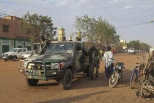 Mali: attacco jihadista a hotel, 13 morti, liberati 4 ostaggi