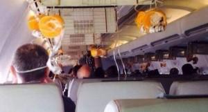 Aereo costretto a atterraggio emergenza per tappo champagne