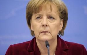 """Merkel migranti, aiuto all'Italia: """"Non restino tutti lì"""""""