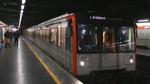 Milano, suicidio in metro a Turro. Bus sostitutivi in tratta San Giovanni-Loreto