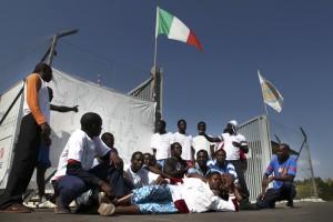 Migranti: costa 3,5 miliardi l'accoglienza in Italia