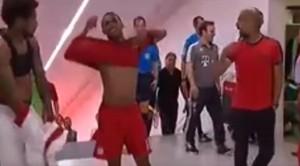VIDEO YouTube - Bayern Monaco-Milan, lite Guardiola-De Jong negli spogliatoi