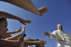 Papa Francesco: Stragi migranti crimine che offende umanità