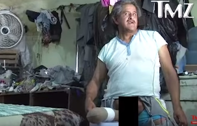 uomo con pene lungo
