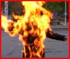 La ragazza avvolta dalle fiamme