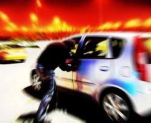 Turisti tedeschi sequestrati in auto e rapinati: 2 arresti. Uno era uscito dal carcere a luglio