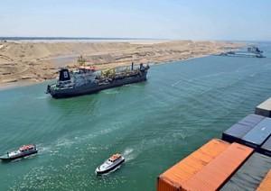 Suez raddoppia: nuova autostrada. Egitto apre seconda arteria commercio mondiale