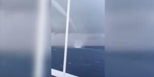 tromba marina filmata a 25 metri di distanza
