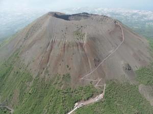 """""""Vesuvio, nuova eruzione in arrivo"""": allarme dei vulcanologi"""