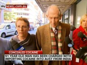 Nonno pusher in aeroporto: 91 anni, 4,5 kg di cocaina