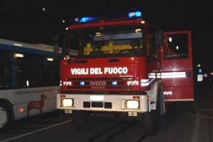 Incendio tra Mirano-Spinea in azienda zootecnica: Passante Mestre chiuso per fumo