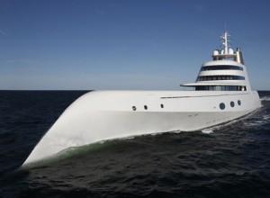 Russo si fa la barca da 142 metri e 410 milioni