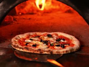 Pizza più cara a Milano. E 4 pizzaioli su 10 non qualificati