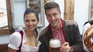 Proprio grazie all'attaccante polacco, intanto, ieri il Bayern ha fatto registrare un record: è infatti la decima volta che i bavaresi hanno vinto le prime due partite stagionali in Champions (nelle precedenti nove occasioni hanno sempre superato il turno), ma non ci erano mai riusciti con una differenza reti tale (+8). Robert è il vero re dell'area di rigore: ben 94 delle sue 101 reti in Bundesliga e tutti i suoi 26 gol in Champions li ha segnati all'interno dell'area avversaria. Quella è la sua terra. Lì si esalta al punto da segnare tanto da risultare banale. Ma noioso proprio no.