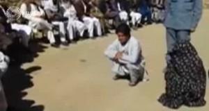 Afghanistan, uomo e donna accusati adulterio: 100 frustate