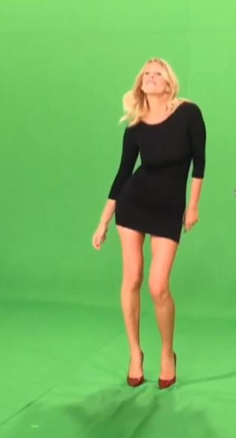 """Alessia Marcuzzi presenta Gran Fratello 14 ballando """"Happy""""10"""