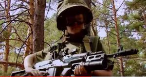 VIDEO YouTube - Ucraina: bimbi s'addestrano a campo militare
